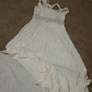 Dresses & Skirts - Beautiful cream maxi dress