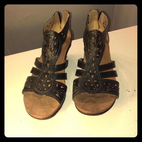 f5d98fa173f Earth Origins Shoes - Earth Origins Kingsley Black Wedge Sandal 9.5