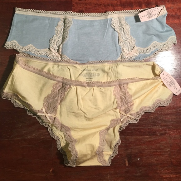 fbb5fb62a0ef0 Victoria's Secret Hipster Panties with Lace - Med NWT