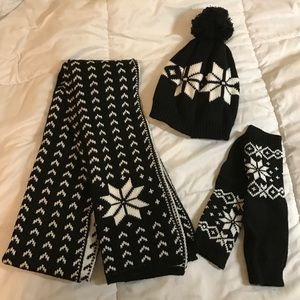 Simplicity Accessories - 3-pc winter accessories- scarf, hat, & arm warmers
