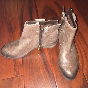 Sam Edelman Shoes - Sam Edelman Petty Brown Ankle Booties. Sz 8.