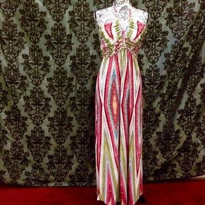 Snap Dresses & Skirts - Large Diamond Patterned Halter Neck Slimming Maxi