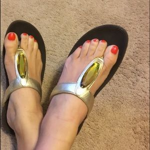 FitFlop Flare Leather Thong Flip Flops