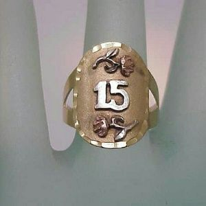 Jewelry - 14k gold sweet 15 birthday roses ornate ring band