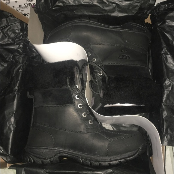 Men uggs boots. Butte. Size 7 (BRAND NEW)
