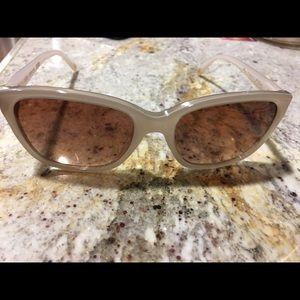 Tiffany & Co. Accessories - Rare Tiffany & Co. signature Sunglasses 😎