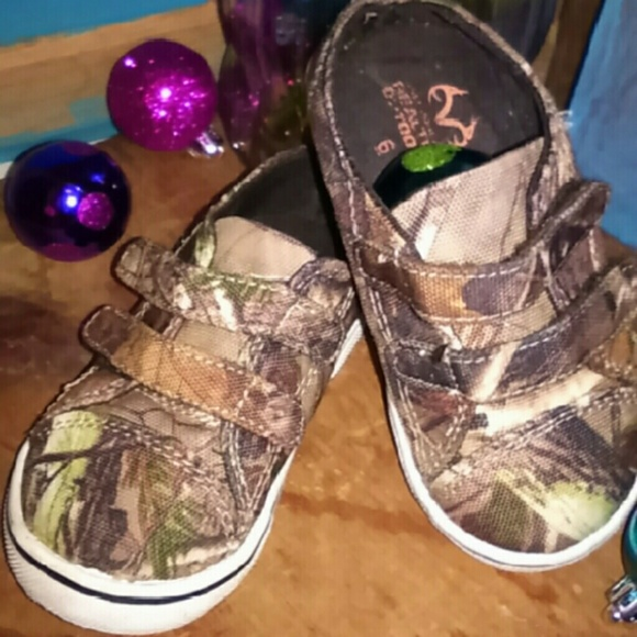 22d3ec0fcc462 realtree Shoes | Toddler Size 6 Camo Velcro Tennis | Poshmark