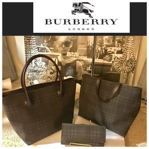 Burberry Handbags - RARE VINTAGE BURBERRY 3 PIECE BROWN CHECK SET.