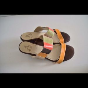 NWOT Jeanne Jarvaise sandals