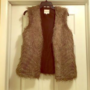 Jackets & Blazers - Faux Fur Vest  size S