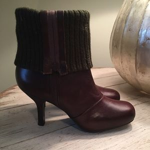 Nine West brown sweater booties