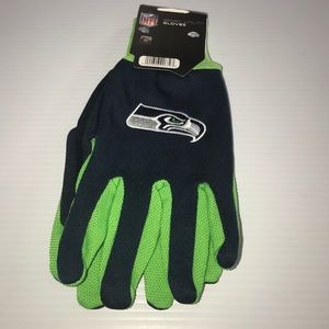 Other - Seattle Seahawks sport utility gloves