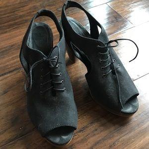 Madewell Peeptoe heels