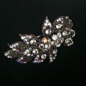 Accessories - 🎉HP🎉 Crystal rhinestones barrette