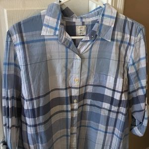 Large Gap Fitted boyfriend button down