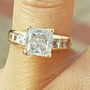 14k Solid yellow Gold Princess cut Engagement ring