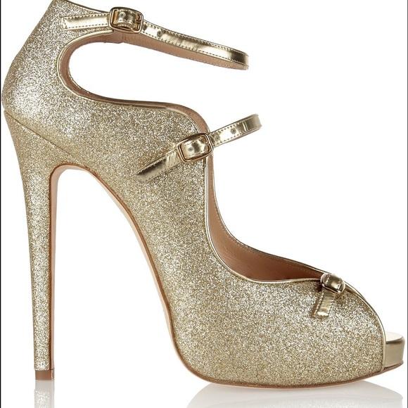 63dbea89be00 Oscar de la Renta Gold Glitter Pumps Size 39 1 2