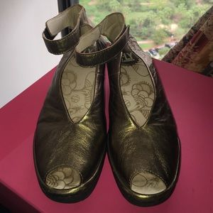 Fly London Shoes - Fly London antique gold sz40 =9 USA