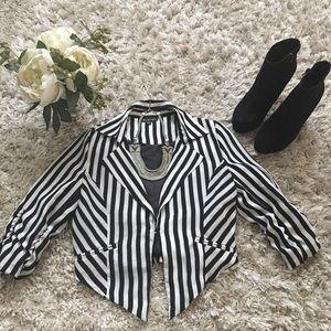 Timing Jackets & Blazers - Cropped Blazer