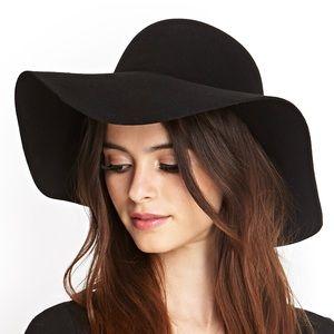 Tilly's Accessories - Black Floppy Hat