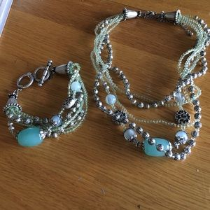 Jewelry - Teal & light green matching bracelet and necklace