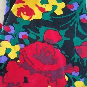 Lularoe Beauty & the Beast Roses OS Leggings NWT