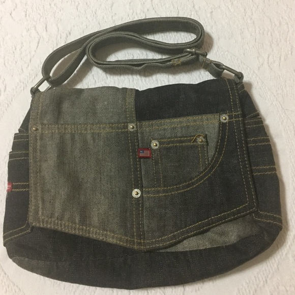 M 586d4daaf739bc273419c0bf. Other Bags you may like. Vintage Polo Sport  Ralph Lauren Logo Crossbody Bag ead65ddcadc0c