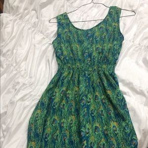 Dresses & Skirts - Adorable peacock feather print dress