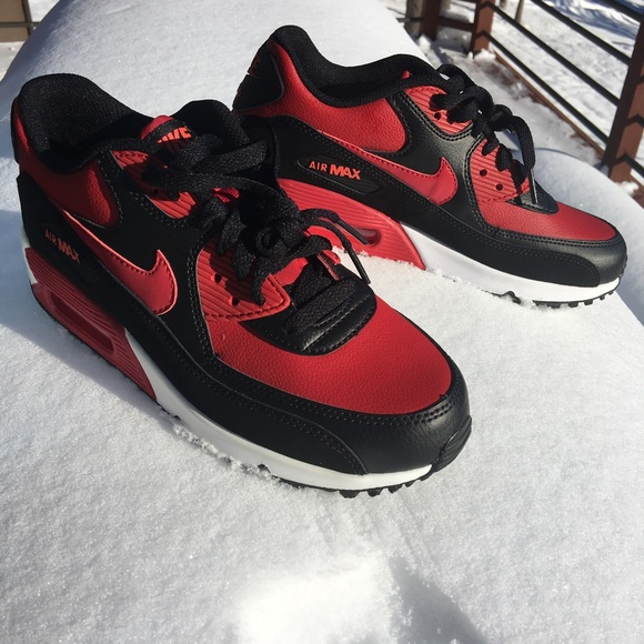 Nike air max 90 red black leather tennis shoe 4053bfd757954