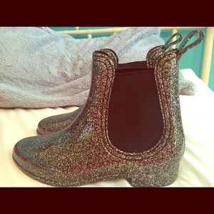 Report Shoes - Short GLITTERY rain boots! NWOT