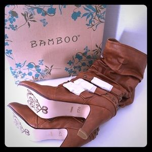 NEW IN BOX Carmel leather scrunch boots 💝
