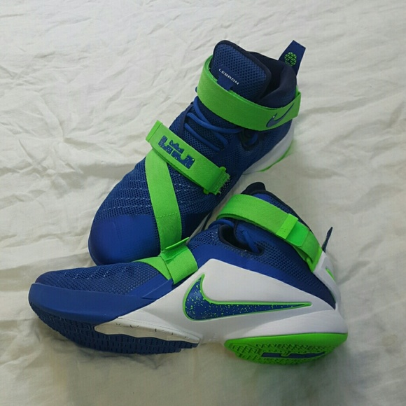 f558dcad5d78f Nike LeBron James Soldier 9 IX Blue   Sprite Green.  M 586d6283680278fb1a0166cd