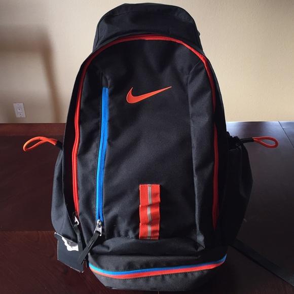 e11e032e6f85 Nike Bags