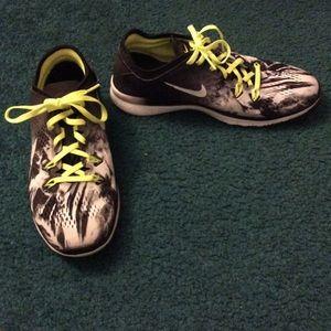 Women's Nike Free 5.0 - Size 9 NWT