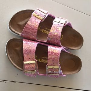 2897825c35c3 Birkenstock Shoes - NEW Birkenstocks 39 Pink Snakeskin Arizona Rose