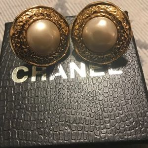 Chanel large clips on Earrings