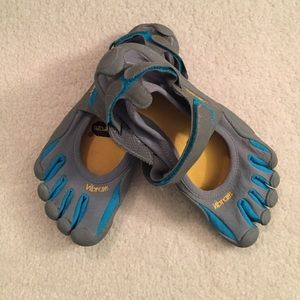 Vibram Shoes - Vibram fivefinger shoes