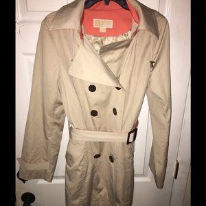 MICHAEL KORS  3/4 Rain Coat  55$ obo