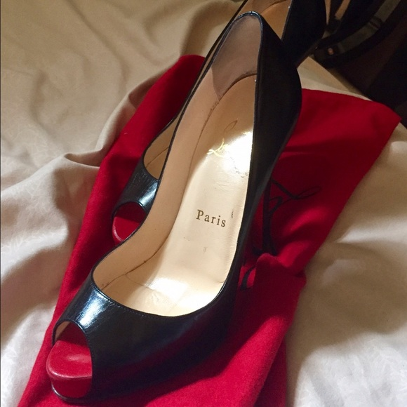 reputable site 26a16 54ad1 Christian Louboutin Very Prive Black Peep Toe Pump