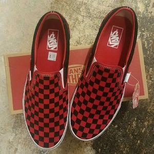 Vans Shoes - Mens 11.5 Red   Black Checkerboard Slip-Ons 9b338eeb2