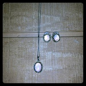 *Necklace & Earrings Set*