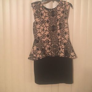 iris & ivy Dresses & Skirts - Nice tan and black mini dress