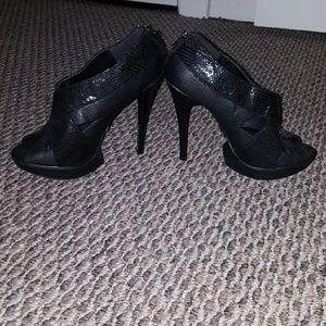 Shoes - Black sparkle heels