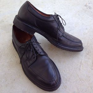 Allen Edmonds Other - Allen Edmonds black leather Wilbert Oxfords shoes