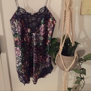 Victoria's Secret Intimates & Sleepwear - Victoria's Secret floral print silky neglige!