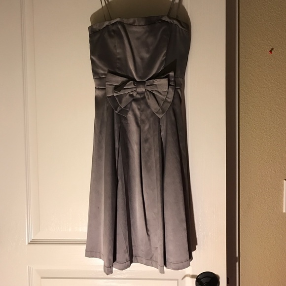 Dresses & Skirts - Gorgeous gunmetal colored dress