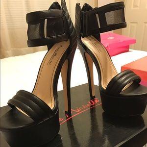 Anne Michelle Shoes - Black Platform Heels