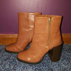 Tan Ankle Boots w/ Heel