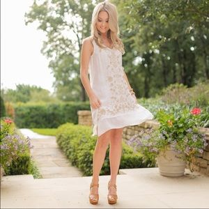 Johnny Was Dresses & Skirts - 🆕 100% White Linen Tunic Dress w/ Tan Embroidery