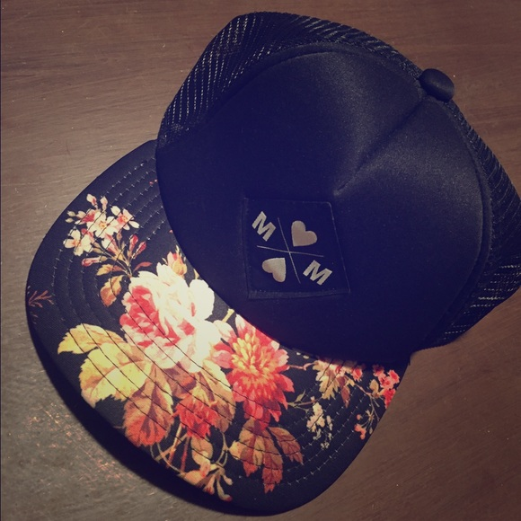 22128ca6c9c Floral SnapBack Neff Hat. M 586deaf8620ff7b924022f9f